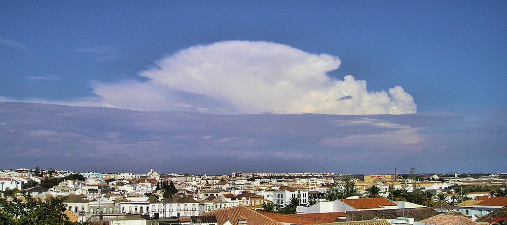 Wolke über Tavira