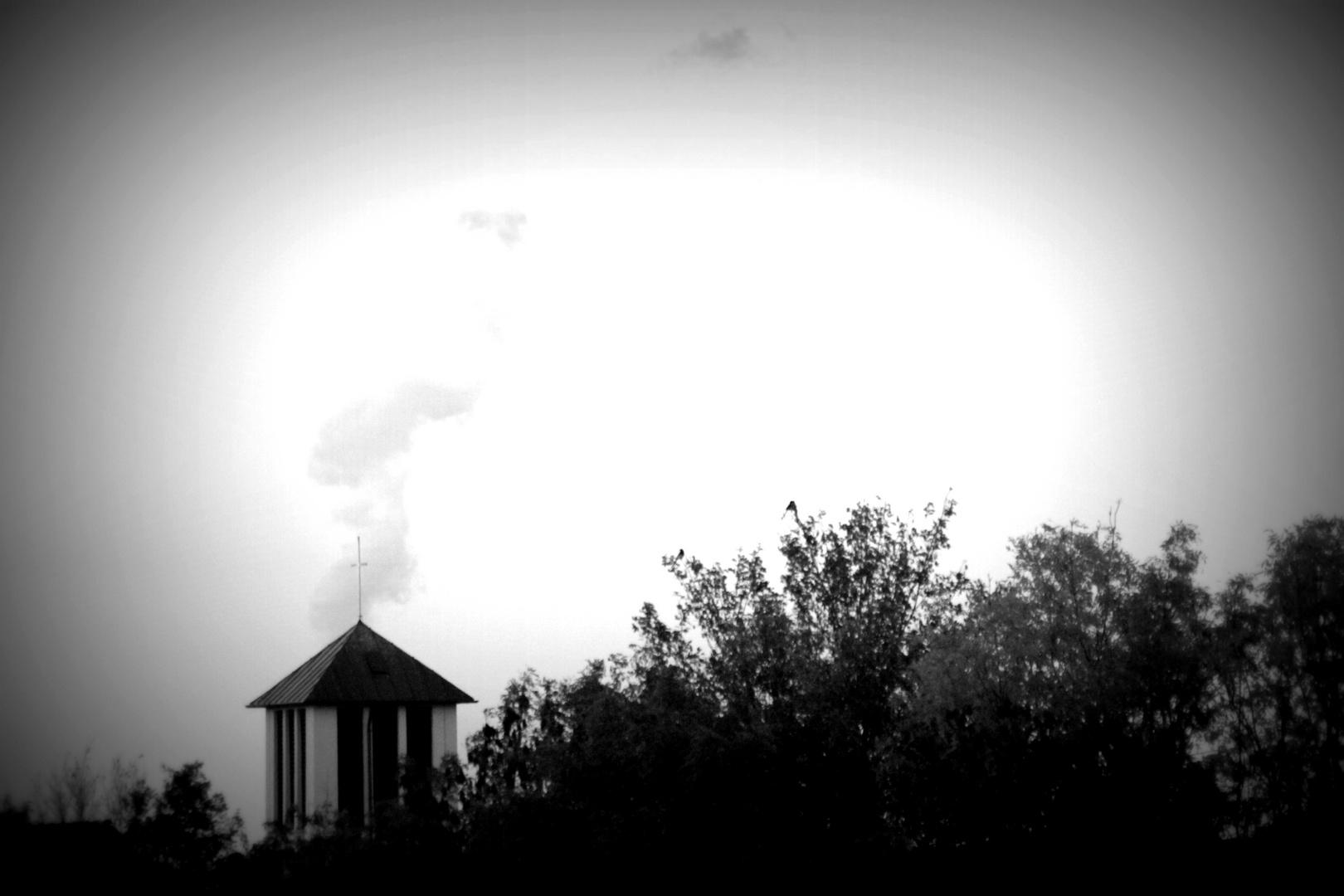 Wolken am Gotteshaus