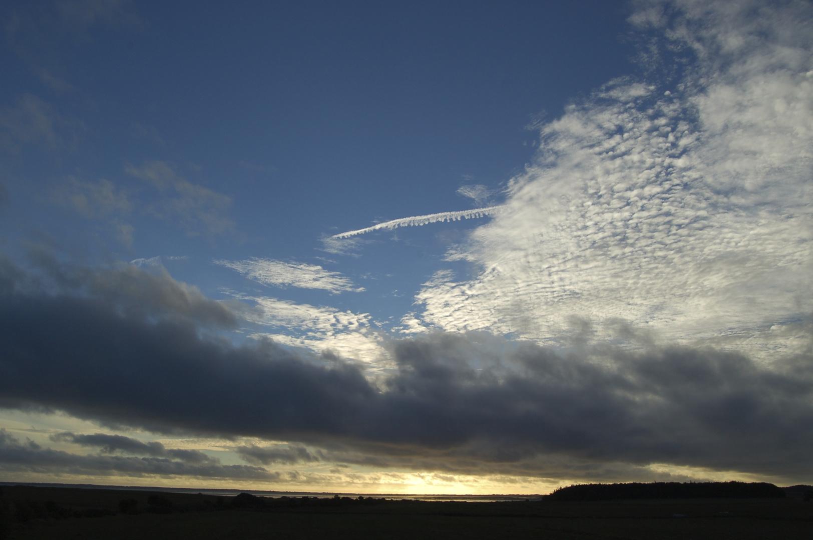 wolken am Meer
