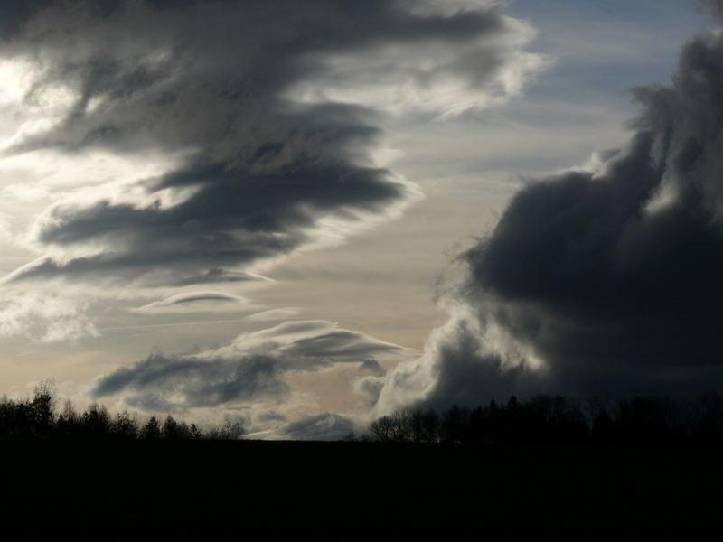 Wolken am Vully