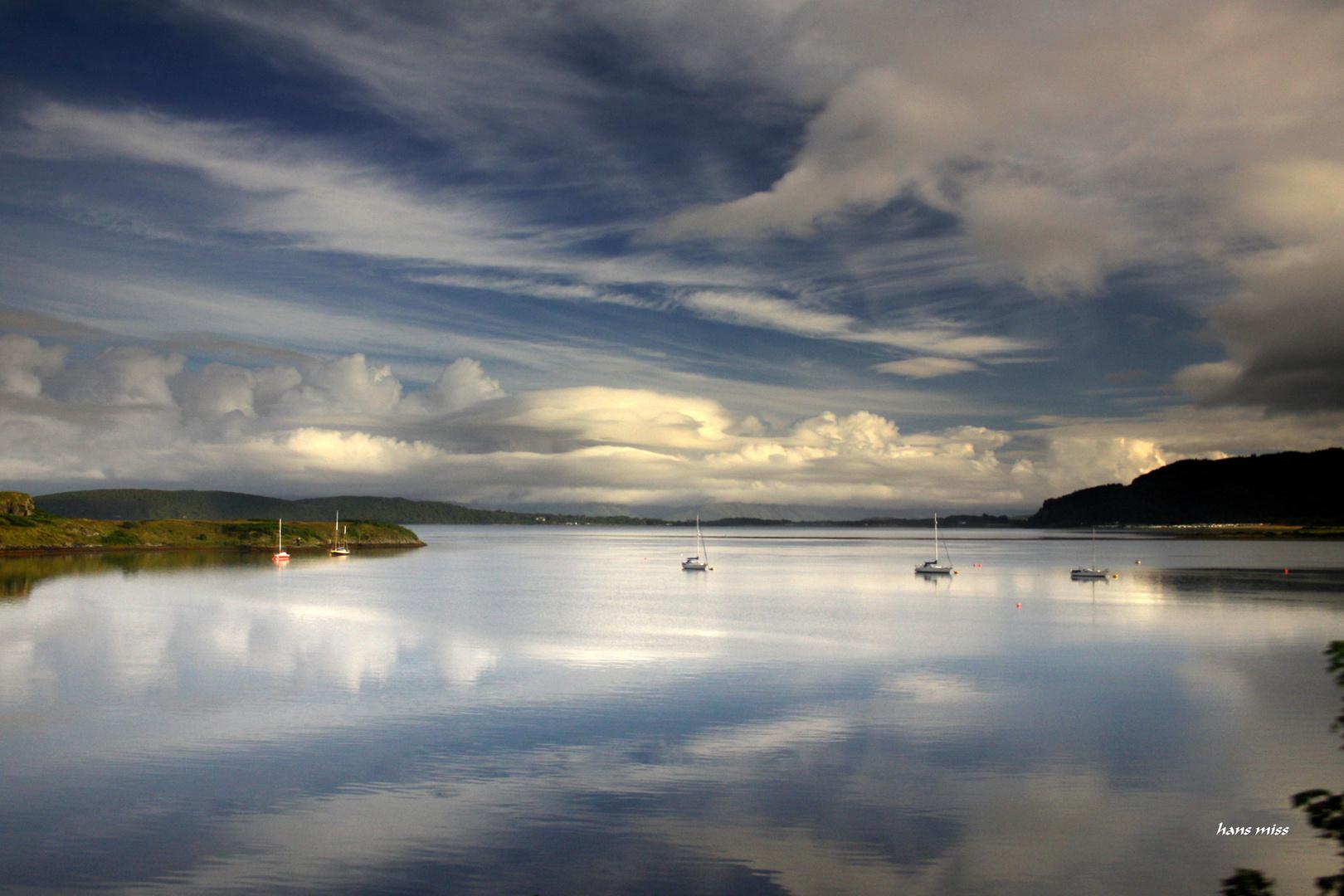 Wolken bestimmen das Bild.(Schottland)