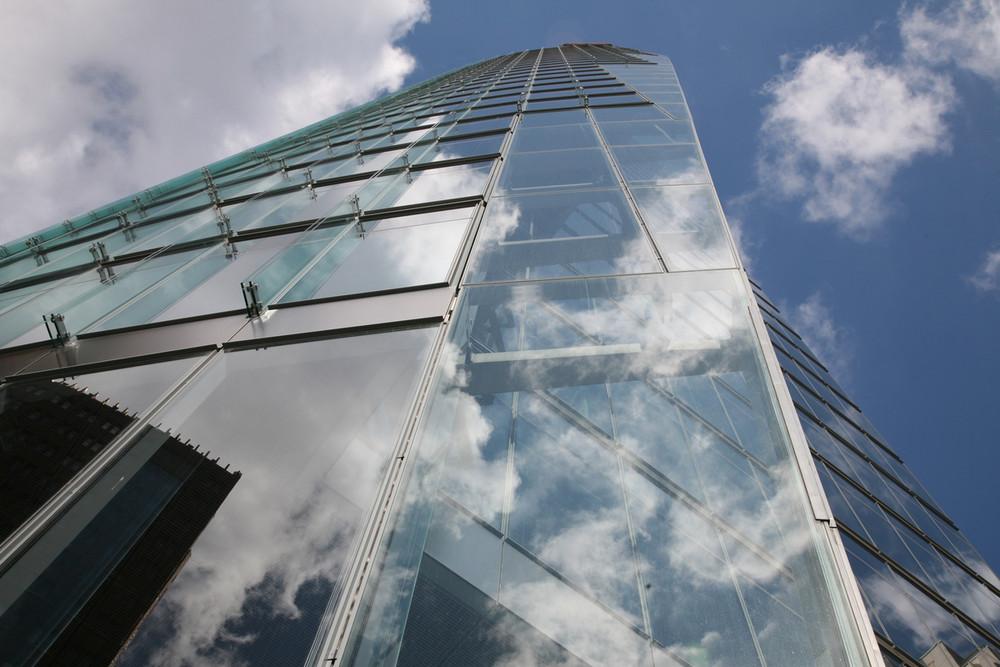 Wolken hinter Glas