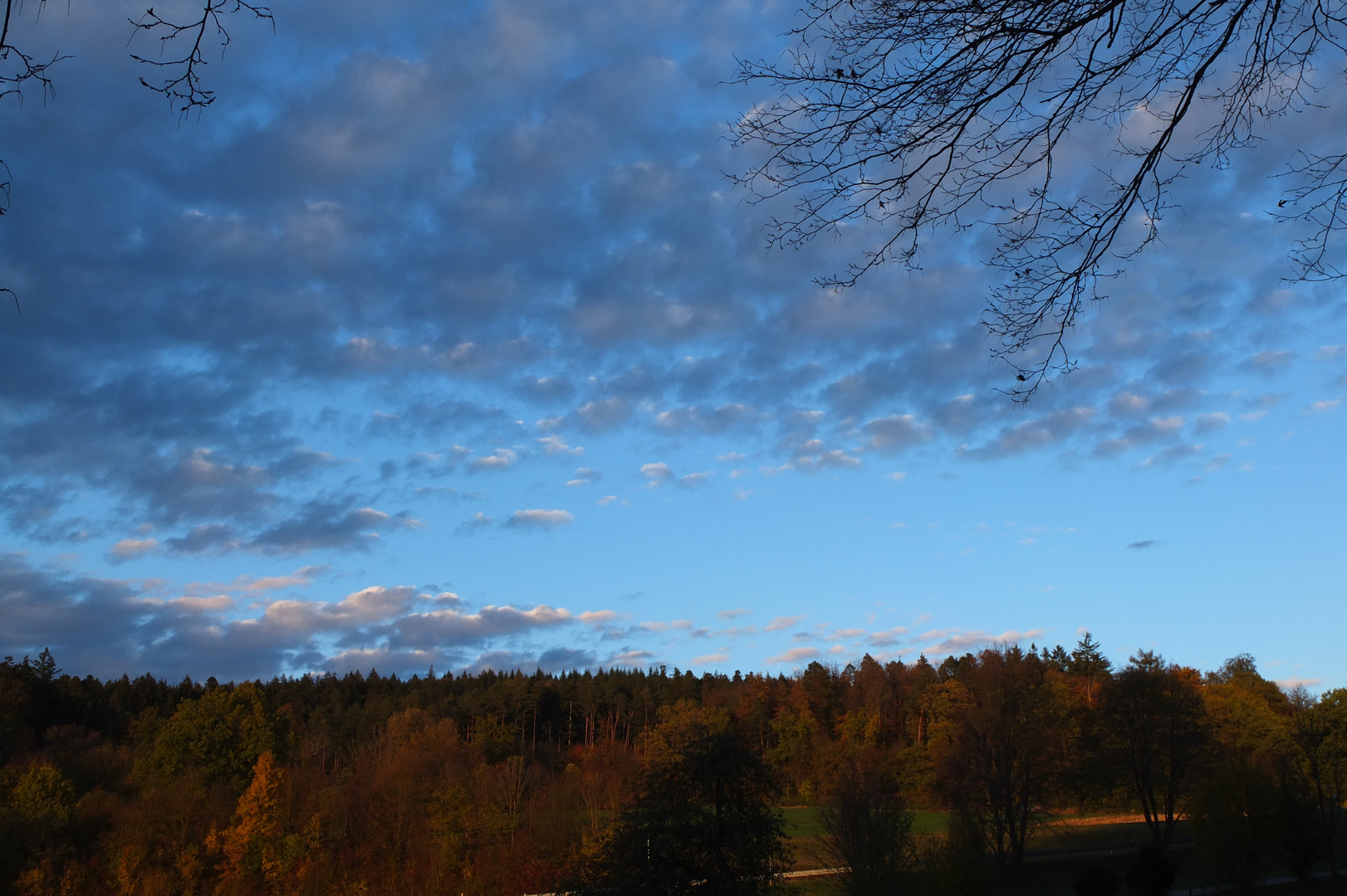 Wolken im Herbst