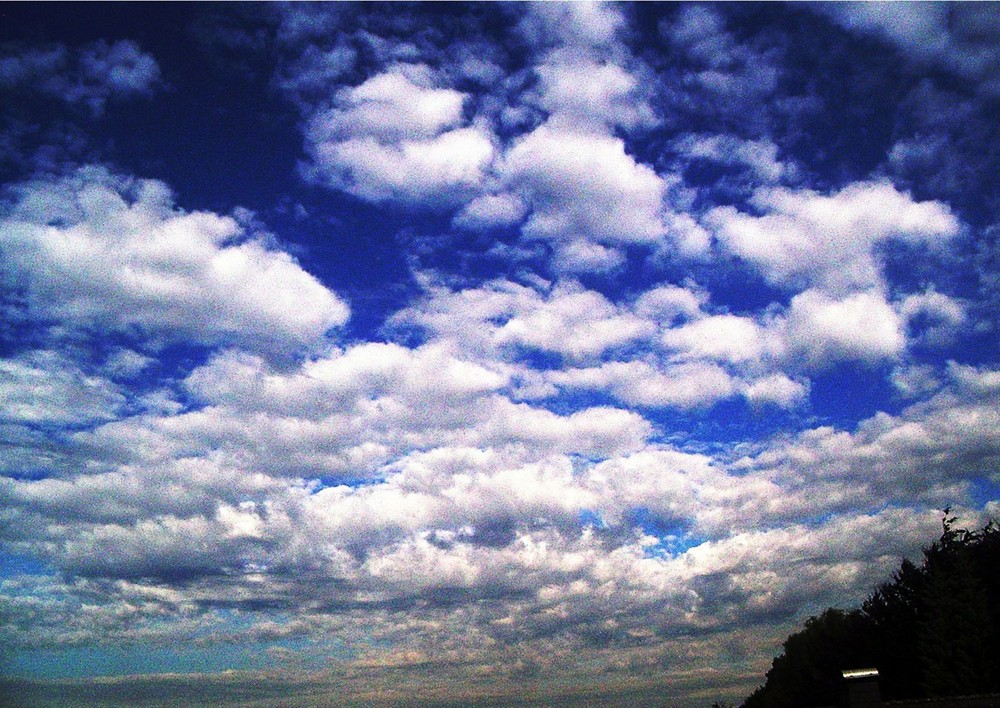 Wolken im Juni