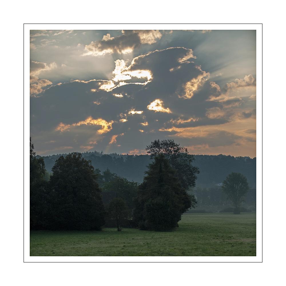 Wolken im Morgenlicht