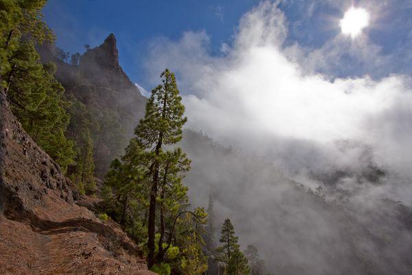 Wolken in der Caldera de Taburiente