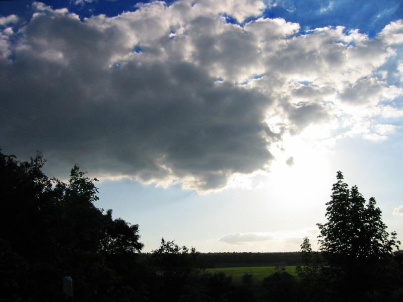 Wolken in der Dämmerung