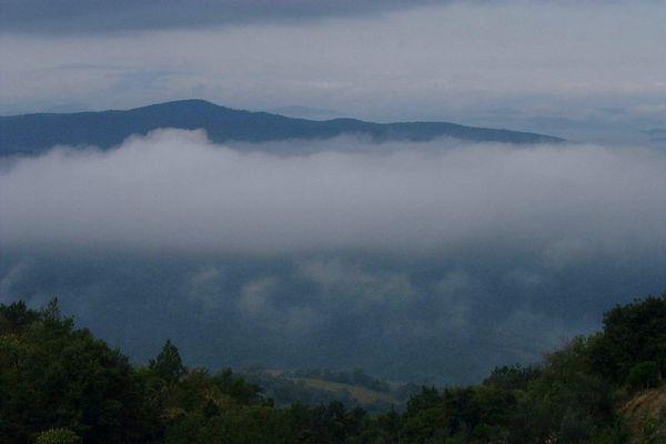 Wolken in der Toscana
