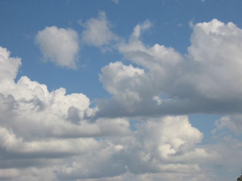 Wolken in Spandau