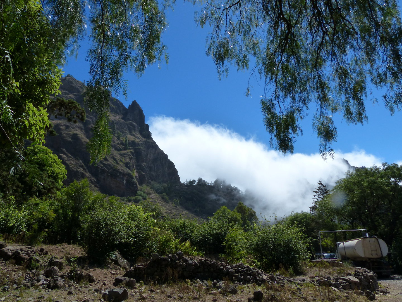 Wolken in Tal auf Santo Antao