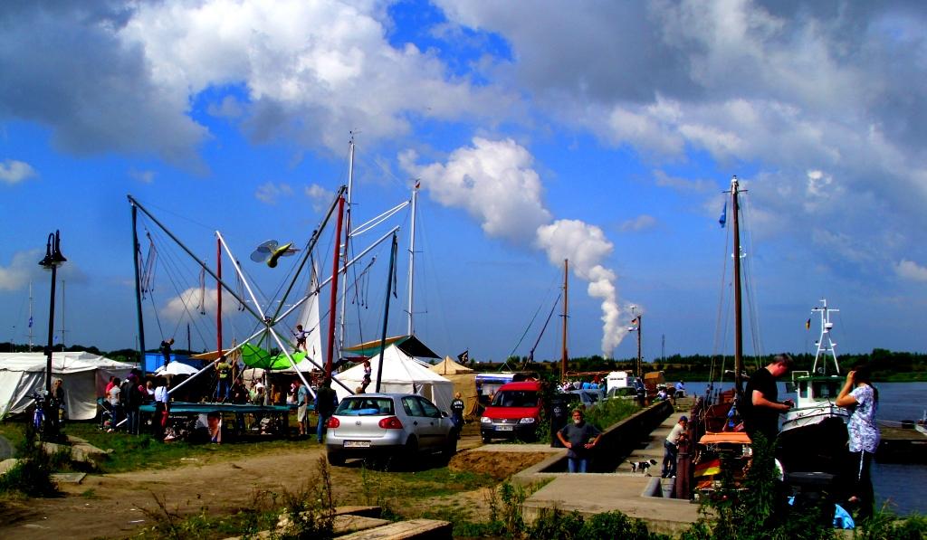 Wolken-Macher (14/18HANSE-SAIL-Rostock2011)