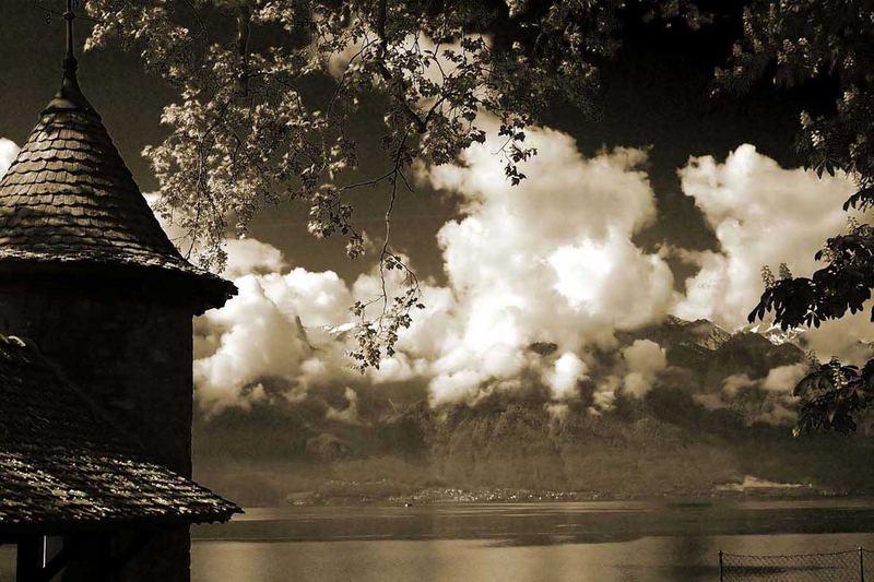 Wolken, See und Berge