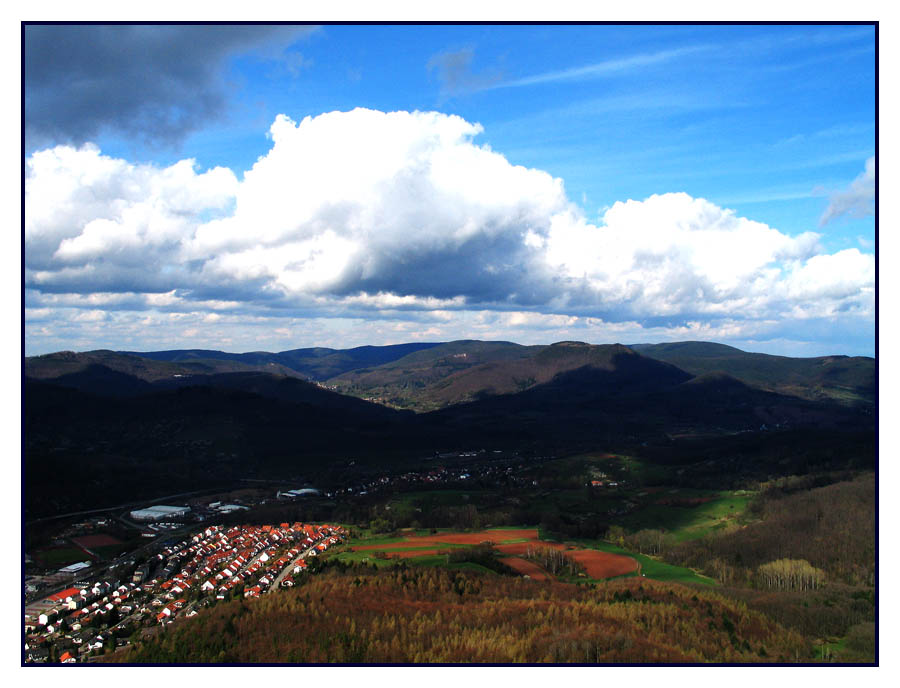 Wolken über Annweiler