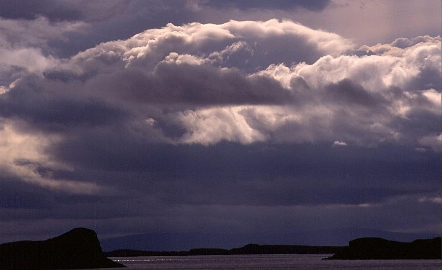 Wolken über dem Breidafjördur (Westisland)