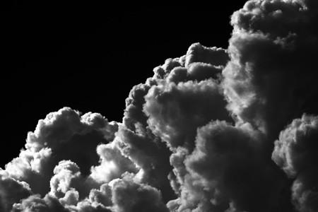 Wolken über dem Haus