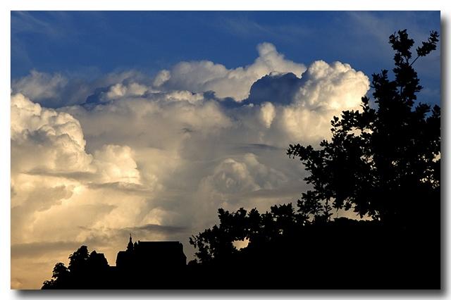 Wolken über dem Marburger Schloss...