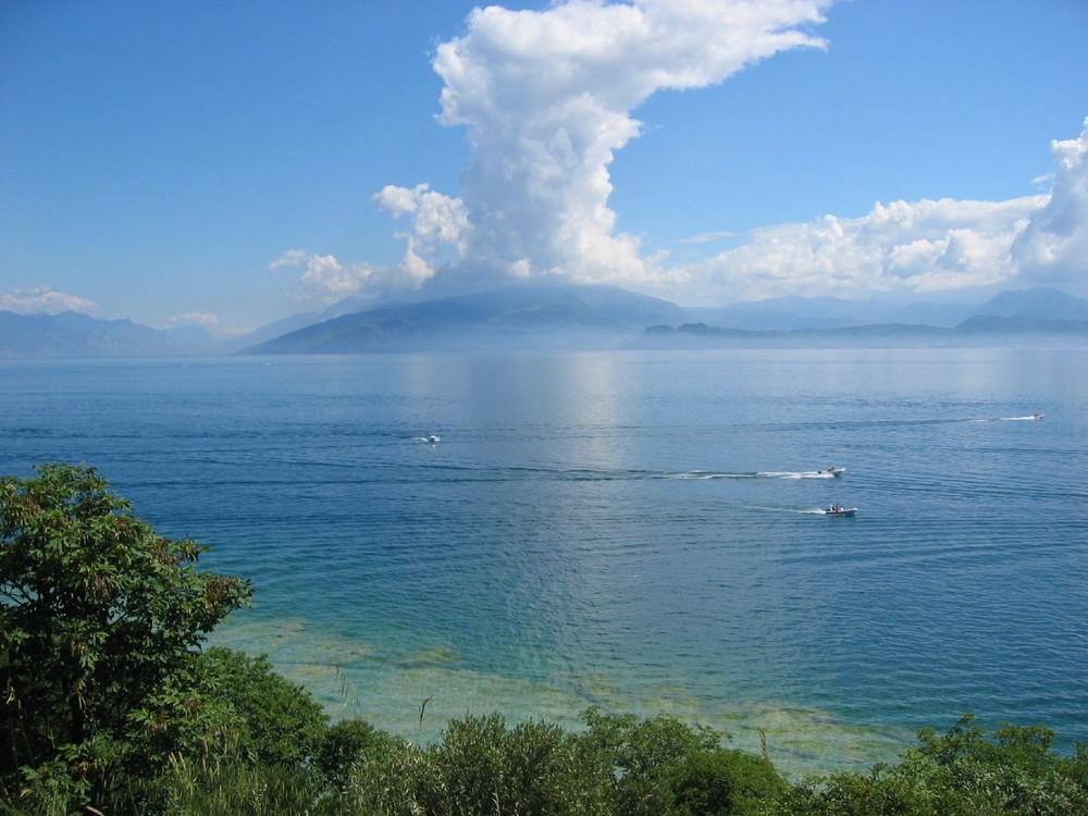 Wolken über dem Monte Baldo /Gardasee Sirmione