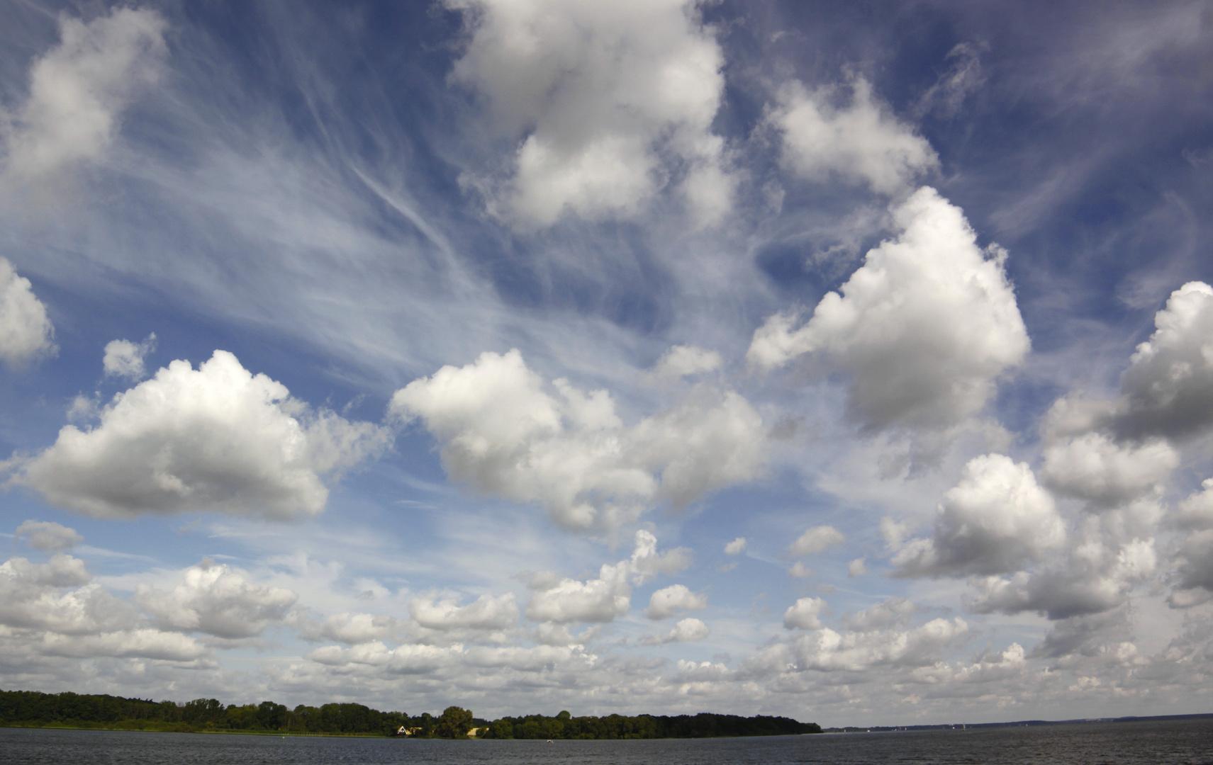 wolken über der müritz