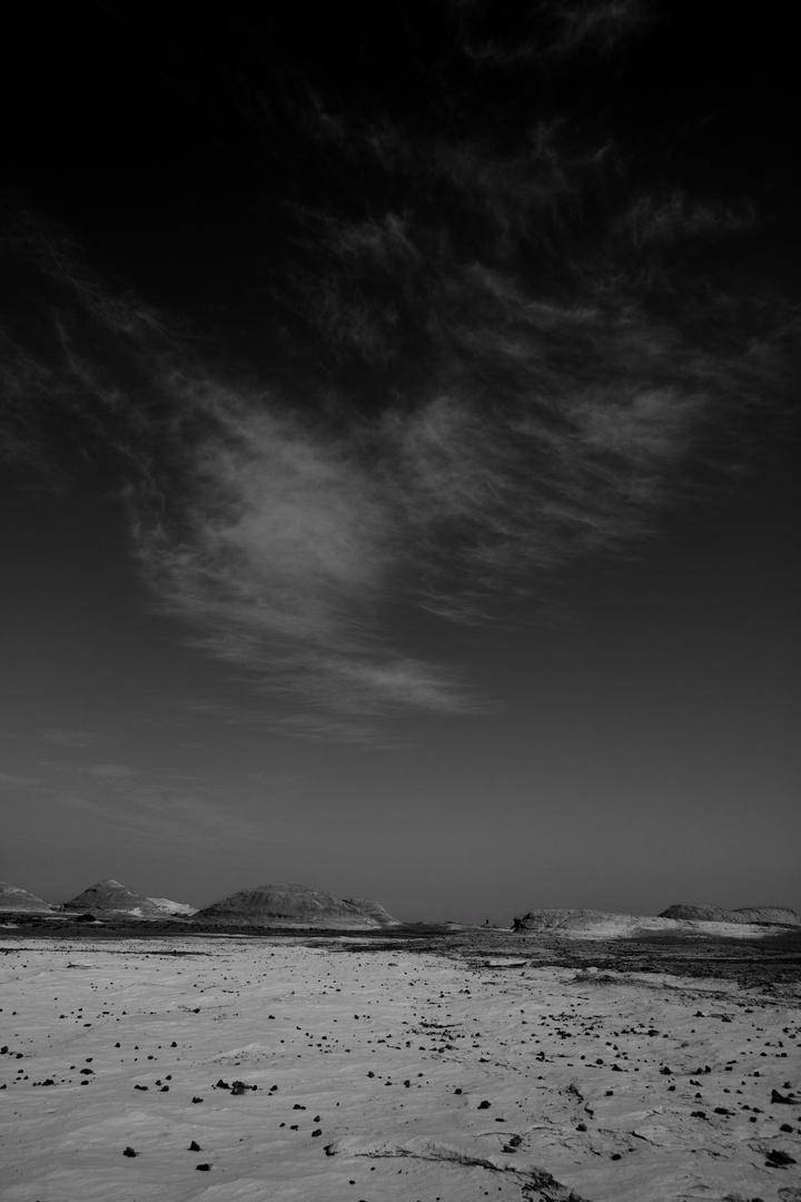 Wolken über der weissen Wüste