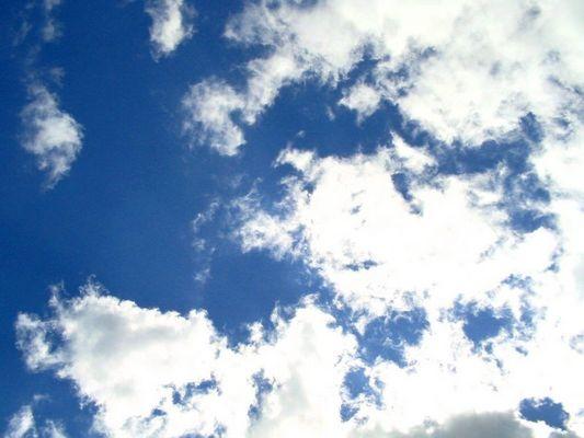 wolken über frankreich