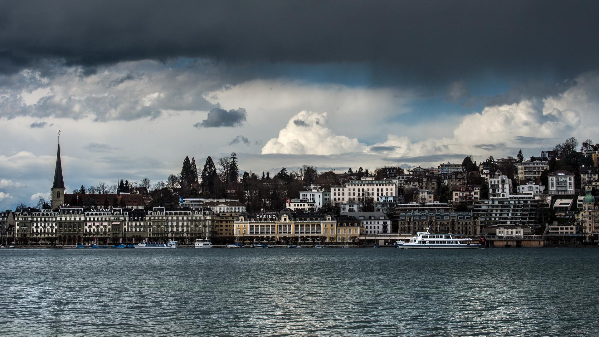Wolken über Luzern