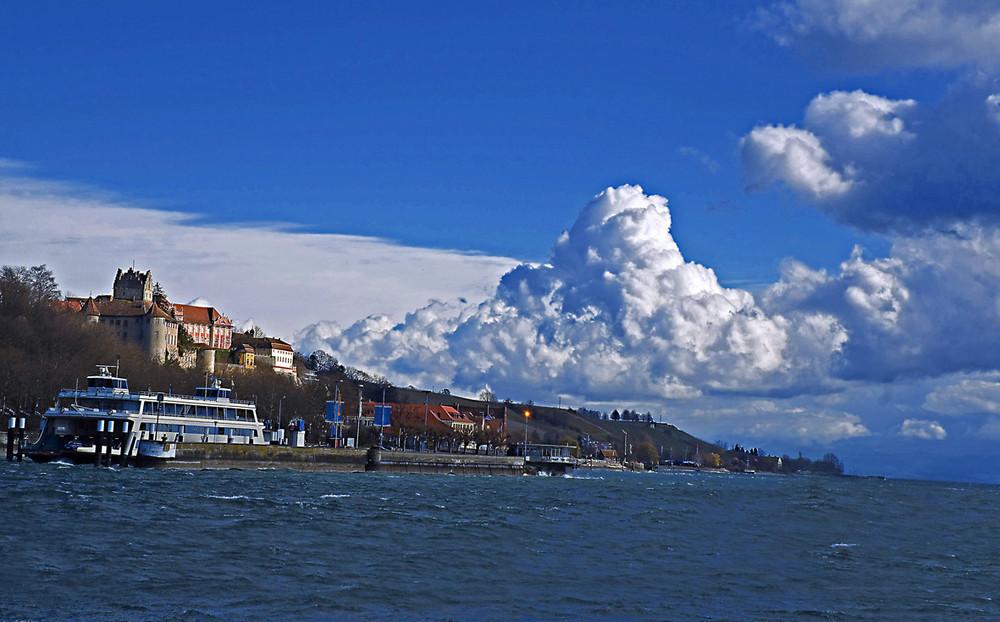 Wolken über Meersburg Bodensee