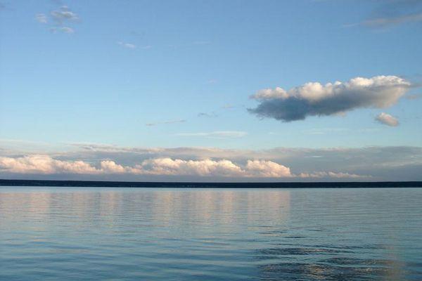 Wolken über Ob-Stausee