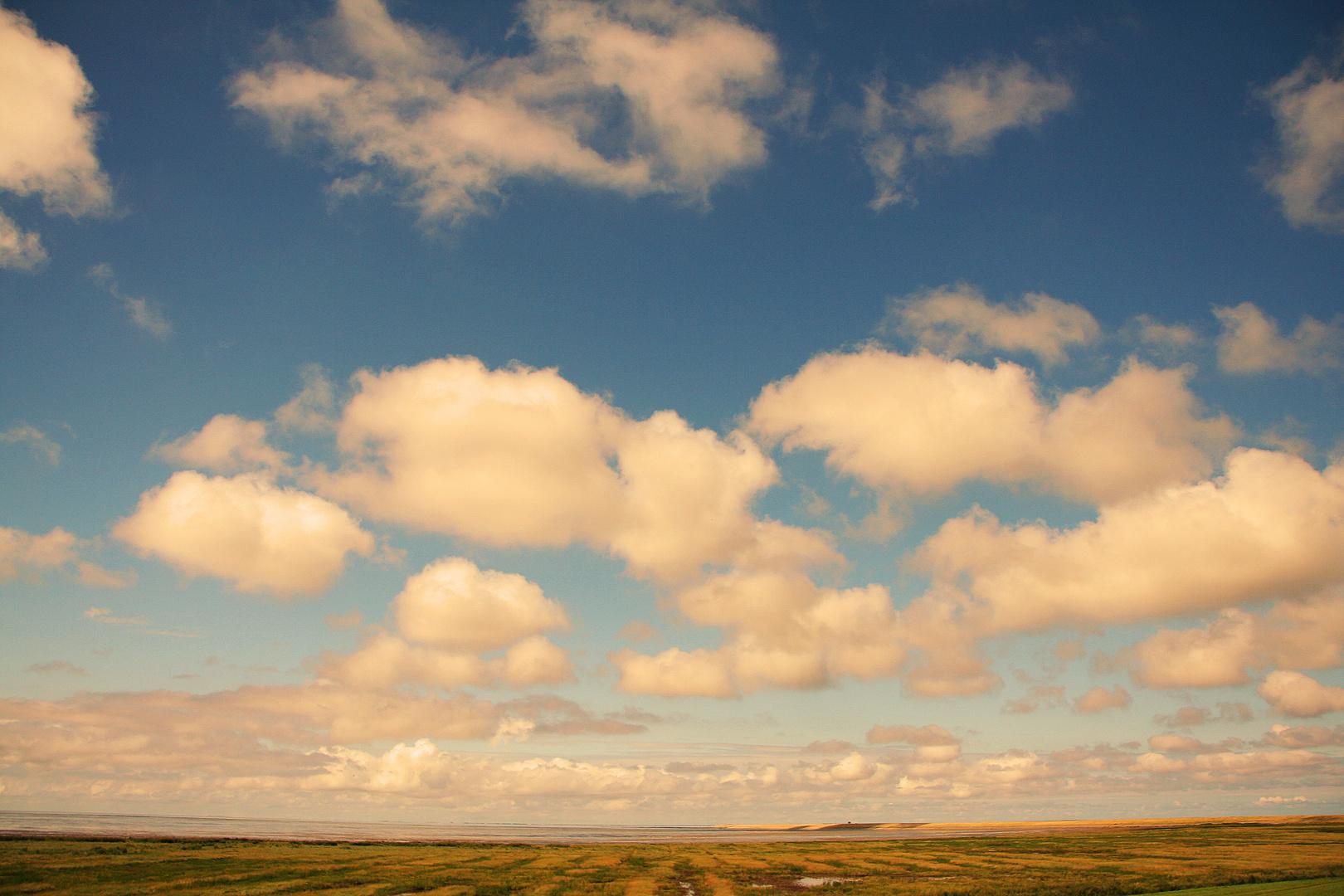Wolken über Ostfriesland
