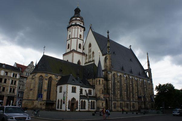 Wolken über Thomaskirche