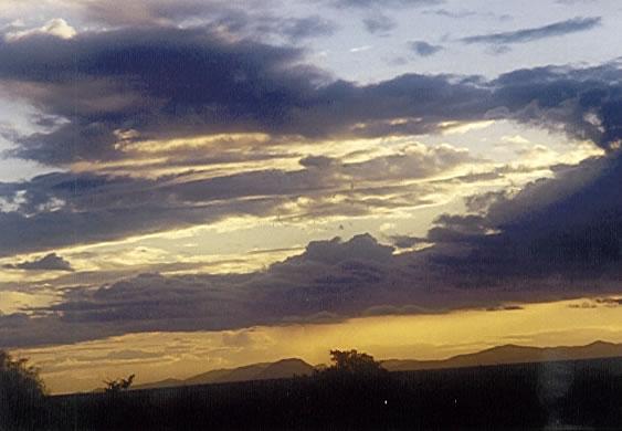 Wolken über Tsavo