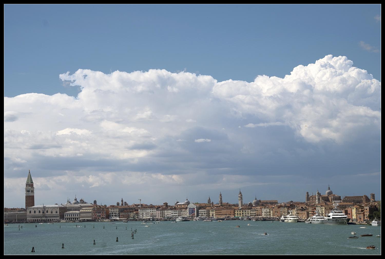 Wolken über Venedig