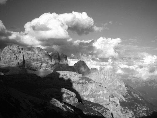 Wolken und Felsen