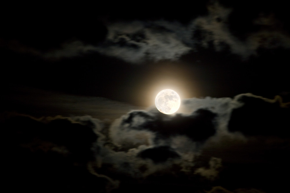 Wolken und Mond 2