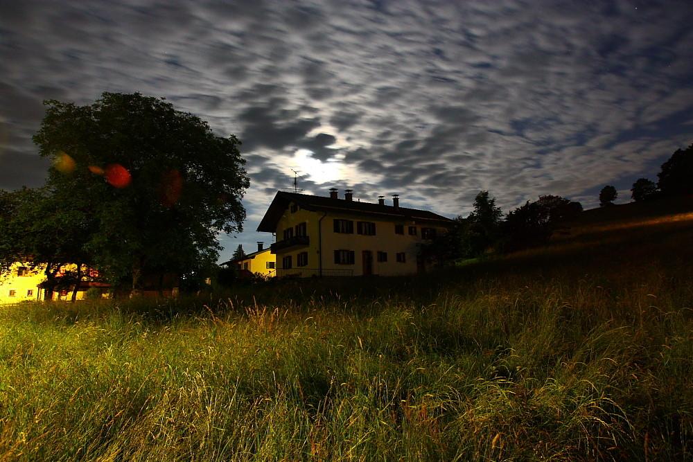 Wolken vor dem Mond