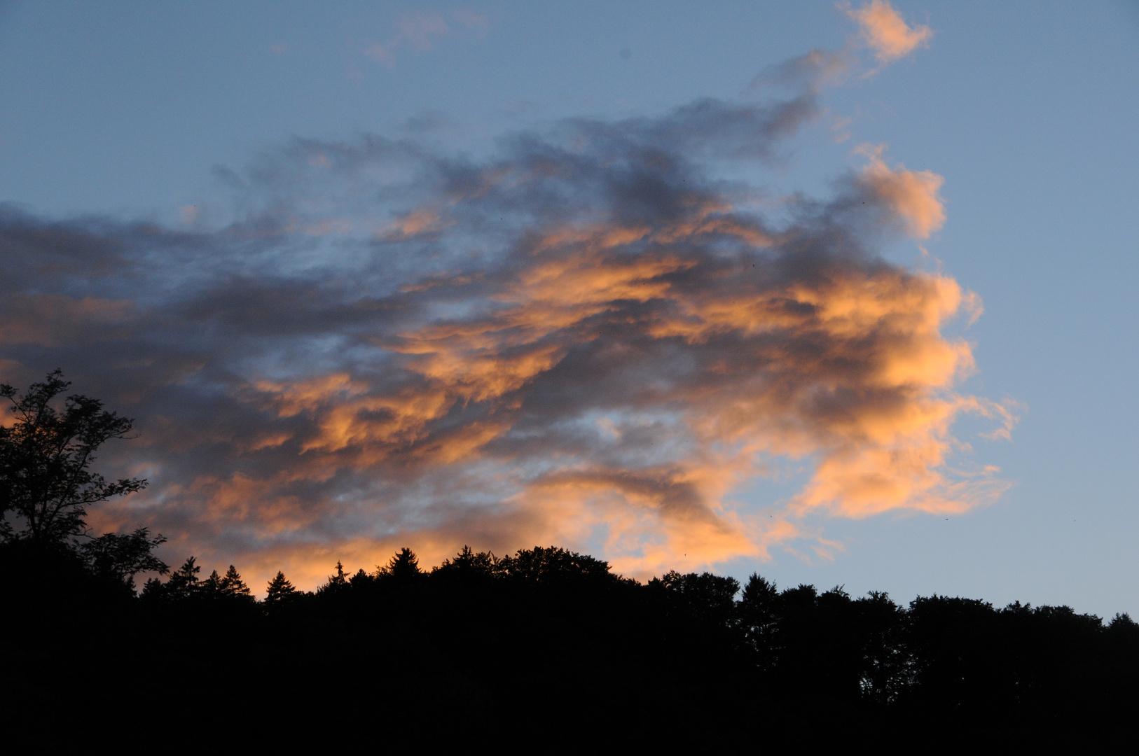 Wolken wie feurige Reiter