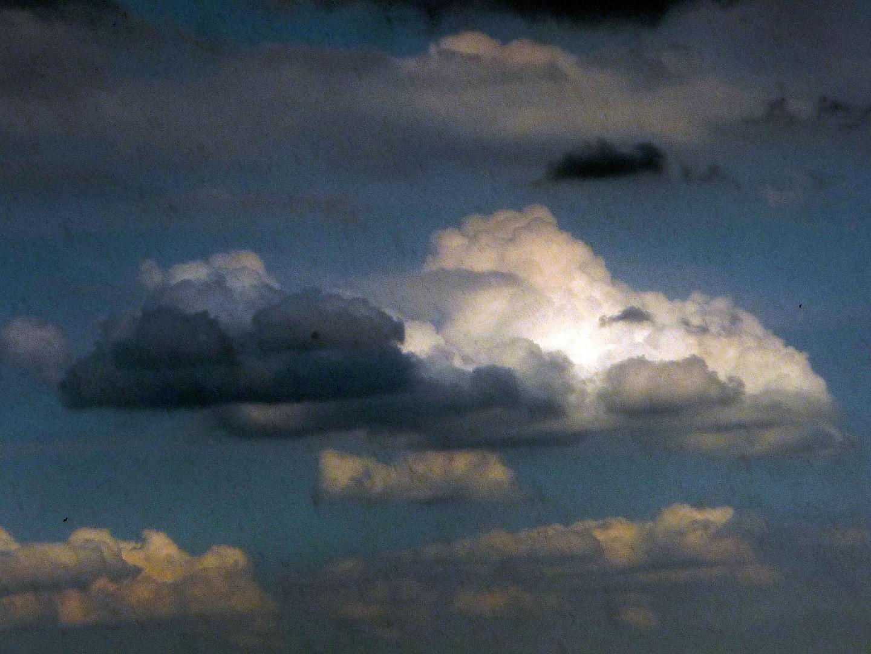 Wolken wie Zuckerwatte