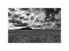 wolken ziehen über das land