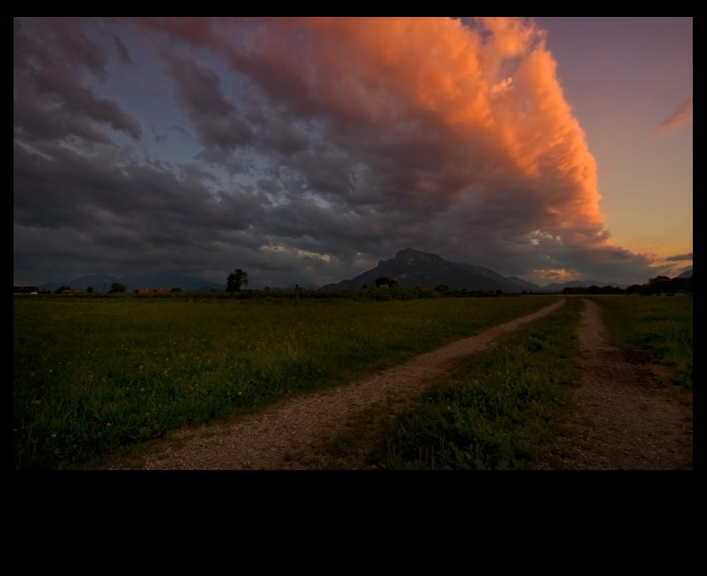 Wolkenband über Untersberg in der Abendsonne