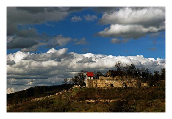 Wolkenberge über Burg Königsberg