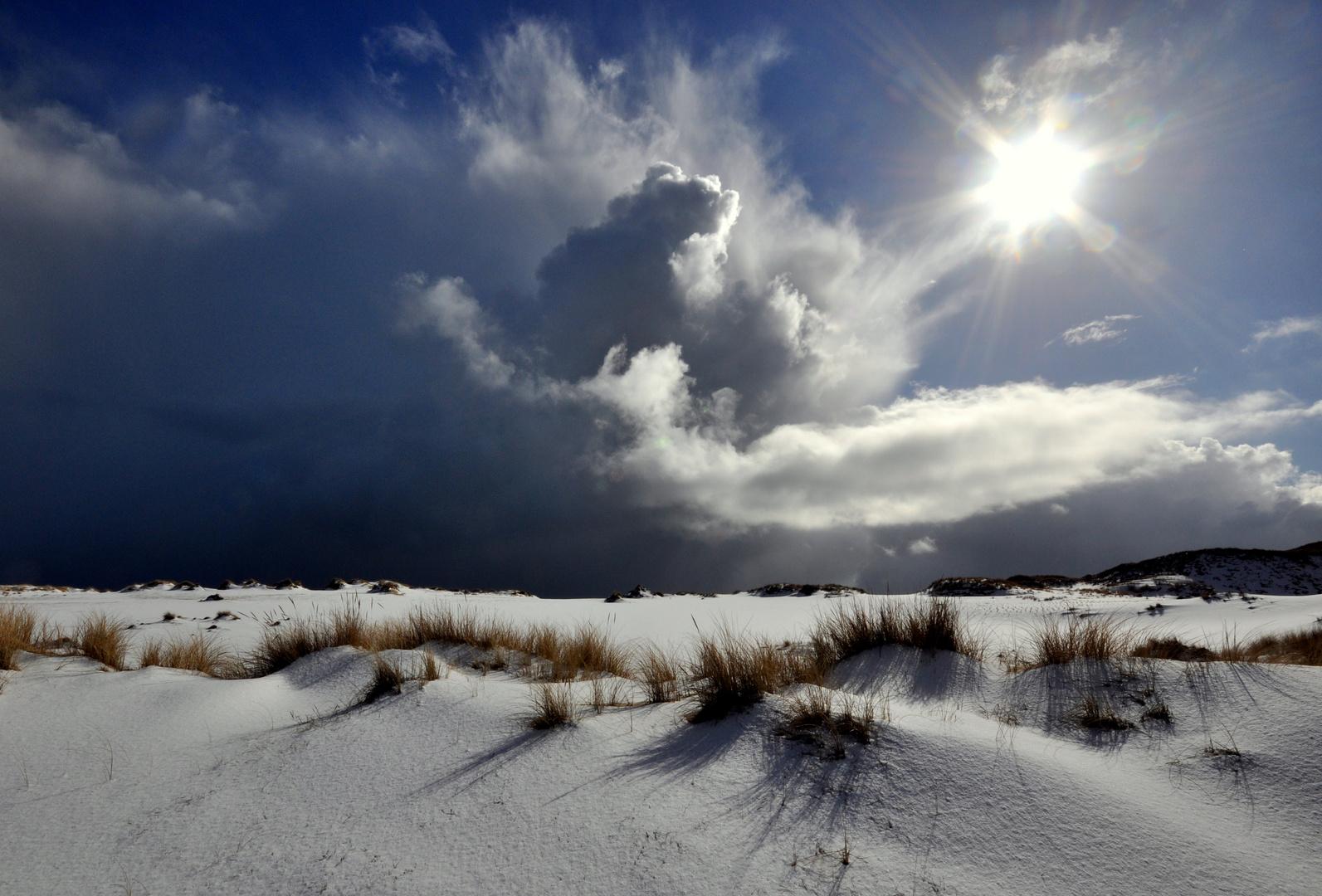 Wolkenbildung über den Wanderdünen