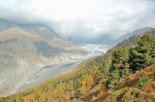 Wolkenbruch über dem Aletschgletscher