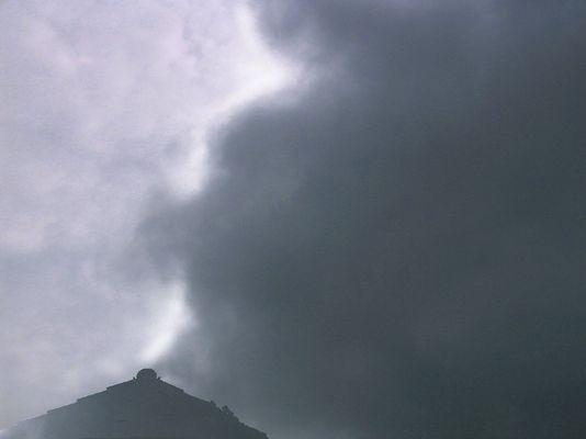 """Wolkenemotionen: """"Zwischen Bangen und Hoffen"""""""