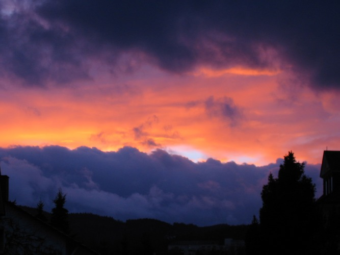 Wolkenlawine in der Sonnenglut