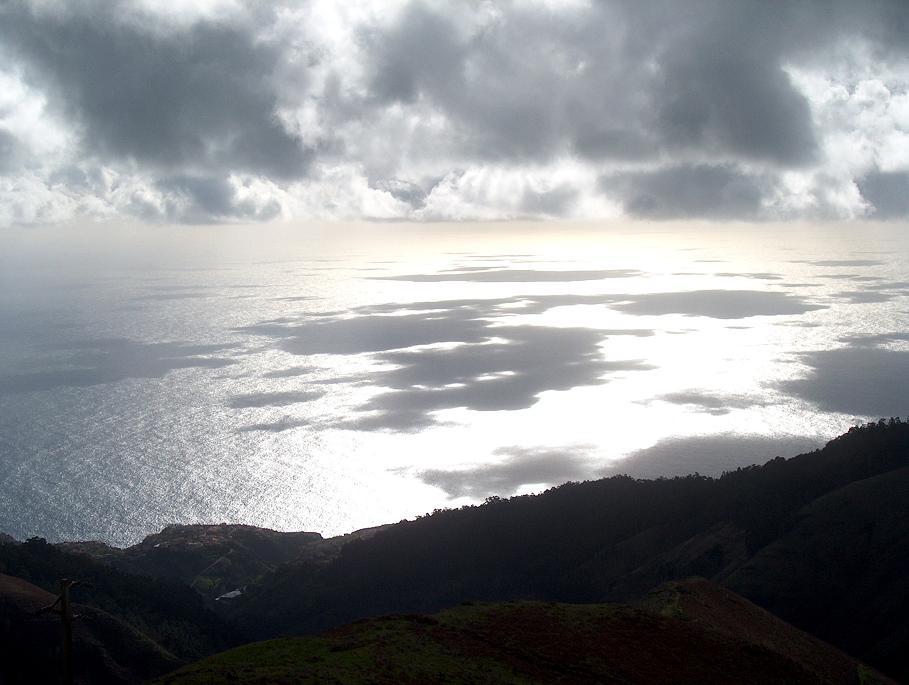 Wolkenschatten auf dem Atlantik vor Madeira