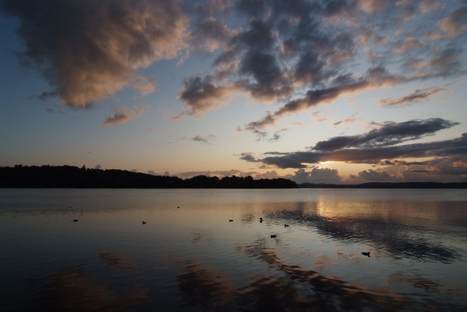 Wolkenspiegelung am Morgen