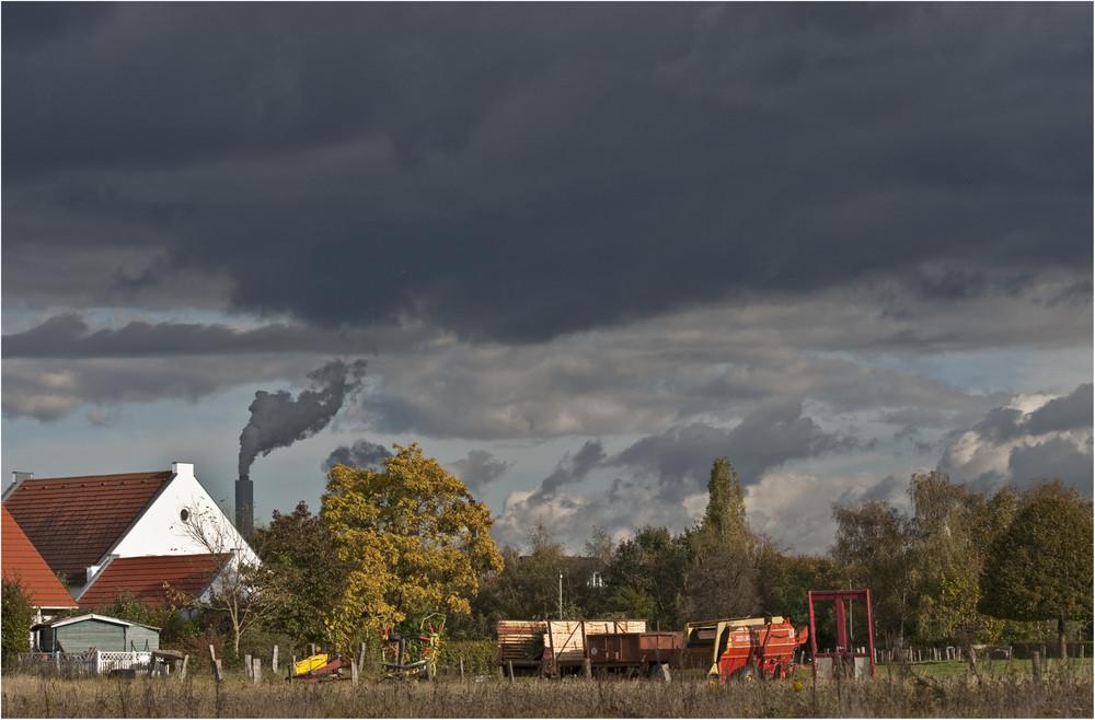 Wolkenspiel am Rhein
