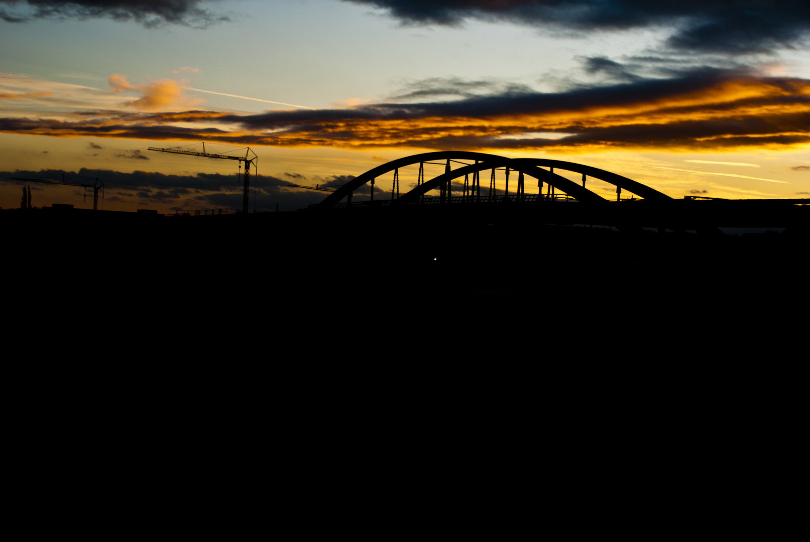 wolkenspiel an der waldschlösschenbrücke