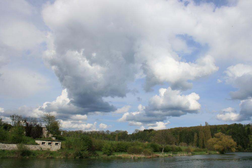 Wolkenspiel über Rheinau