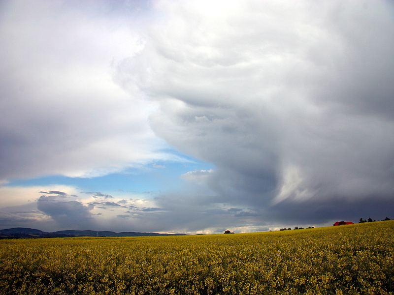 Wolkenspiele über Obernbeck