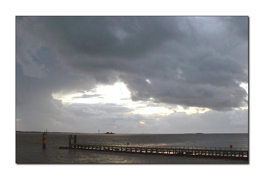 Wolkenstimmung an der Weser